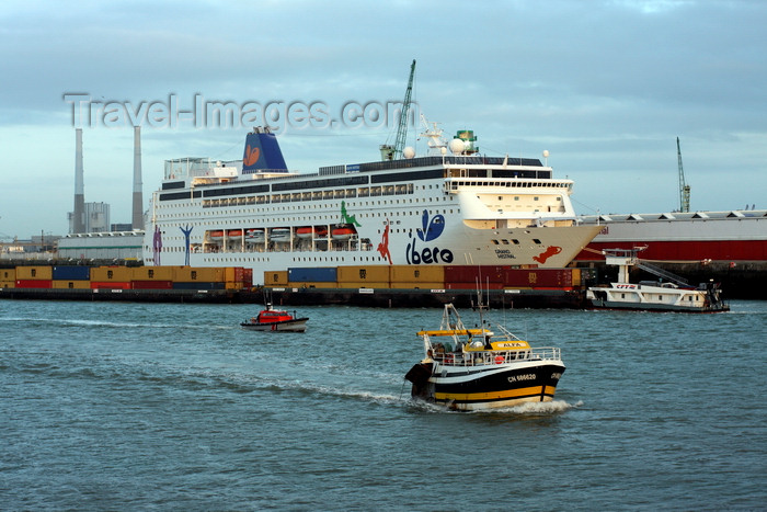 france1357: Le Havre, Seine-Maritime, Haute-Normandie, France: Cruise Ship Ibero Grand Mistral, Container Barge, Fishing Boat, Gendermerie Maritime boat - photo by A.Bartel - (c) Travel-Images.com - Stock Photography agency - Image Bank