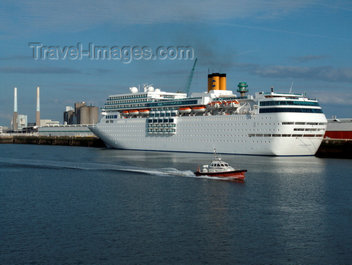 france1366: Le Havre, Seine-Maritime, Haute-Normandie, France: Cruise Ship Costa Romantica in the port- Pilot Boat passing - photo by A.Bartel - (c) Travel-Images.com - Stock Photography agency - Image Bank