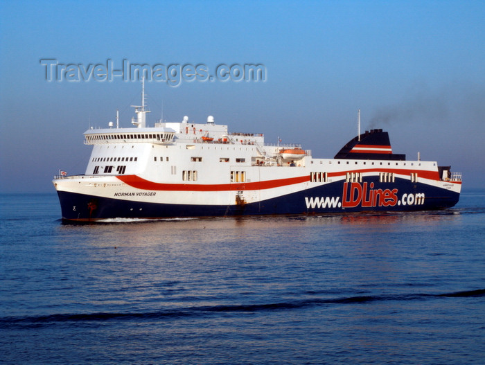 france1369: Le Havre, Seine-Maritime, Haute-Normandie, France: LD lines ferry Norman Voyager sailing, links Portsmouth to Le Havre - photo by A.Bartel - (c) Travel-Images.com - Stock Photography agency - Image Bank