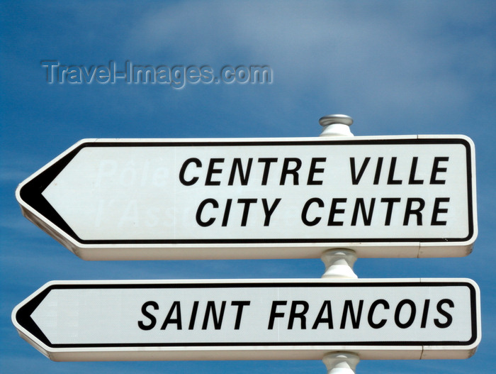france1371: Le Havre, Seine-Maritime, Haute-Normandie, France: Bilingual 'City Centre' sign, English, French - Saint Francois sig - photo by A.Bartel - (c) Travel-Images.com - Stock Photography agency - Image Bank
