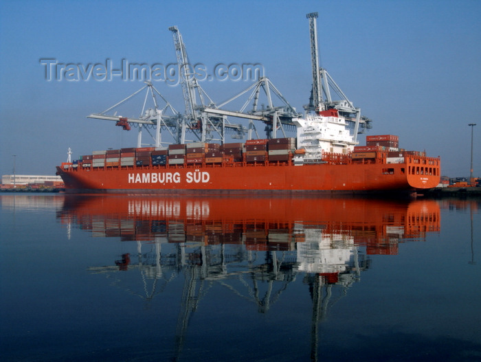 france1372: Le Havre, Seine-Maritime, Haute-Normandie, France: Rio Madeira - Hamburg Sud - Container Ship - Normandy - photo by A.Bartel - (c) Travel-Images.com - Stock Photography agency - Image Bank