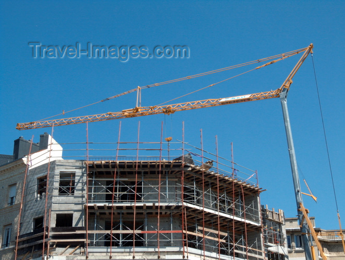 france1375: Le Havre, Seine-Maritime, Haute-Normandie, France: Building Construction - crane and scaffolding - photo by A.Bartel - (c) Travel-Images.com - Stock Photography agency - Image Bank