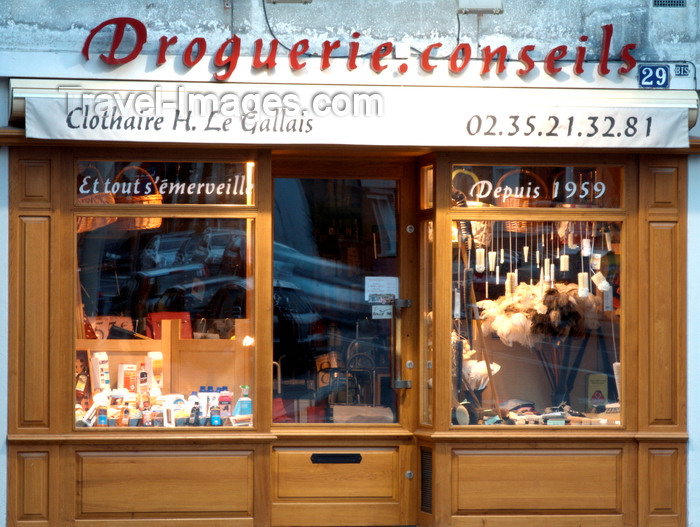 france1383: Le Havre, Seine-Maritime, Haute-Normandie, France: Ironmonger's Shop - Droguerie Conseils, Rue Georges Braque - Normandy - photo by A.Bartel - (c) Travel-Images.com - Stock Photography agency - Image Bank