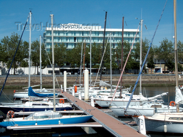 france1386: Le Havre, Seine-Maritime, Haute-Normandie, France: Novotel from the Yacht Harbour - Cours Lafayette and yachts in the marina - Normandy - photo by A.Bartel - (c) Travel-Images.com - Stock Photography agency - Image Bank
