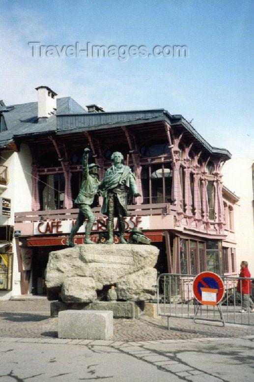 france14: France / Frankreich -  Chamonix-Mont-Blanc (Haute-Savoi - Rhône-Alpes): Saussure monument - photo by M.Torres - (c) Travel-Images.com - Stock Photography agency - Image Bank