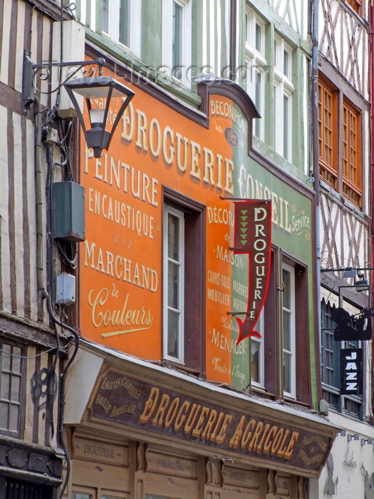 france1401: Rouen, Seine-Maritime, Haute-Normandie, France: Hardware Shop - Droguerie Deconihout, rue du Gros-Horloge - Upper Normandy - photo by A.Bartel - (c) Travel-Images.com - Stock Photography agency - Image Bank
