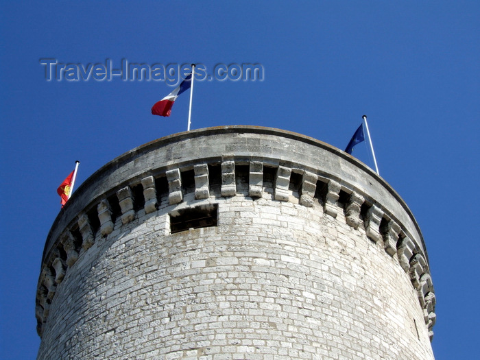 france1406: Vernon, Eure, Haute-Normandie, France: Archives tower - Tour des Archives, Castle - Philippe Auguste's Keep - built in 1123  by Henry Beauclerc , the son of William the Conqueror - photo by A.Bartel - (c) Travel-Images.com - Stock Photography agency - Image Bank