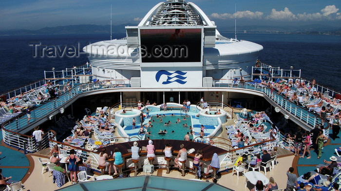 france1411: Haute-Normandie, France: swimming pool deck, Cruise Ship Grand Princess in the English Channel - photo by A.Bartel - (c) Travel-Images.com - Stock Photography agency - Image Bank