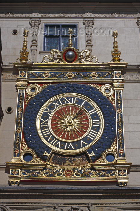france1417: Rouen, Seine-Maritime, Haute-Normandie, France: Gros Horloge - Astronomical Clock mounted on a Renaissance arch spanning the rue du Gros-Horloge - Upper Normandy - photo by A.Bartel - (c) Travel-Images.com - Stock Photography agency - Image Bank