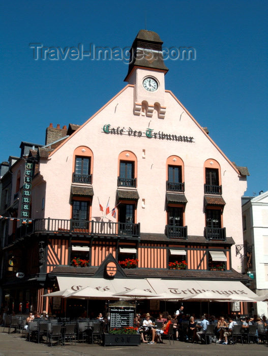 france1420: Dieppe, Seine-Maritime, Haute-Normandie, France:  Café des Tribunaux - built in the 17th century and a favourite of Oscar Wilde, Monet, Sickert, Whistler and Pissarro - Place Puits Salé - photo by A.Bartel - (c) Travel-Images.com - Stock Photography agency - Image Bank