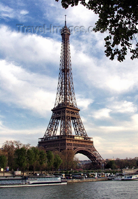 france145: France - Paris: Eiffel tower and the river Seine - photo by K.White - (c) Travel-Images.com - Stock Photography agency - Image Bank