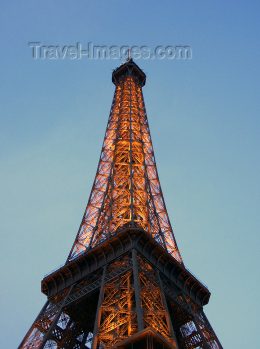 france151: France - Paris: Eiffel tower at dusk - photo by K.White - (c) Travel-Images.com - Stock Photography agency - Image Bank