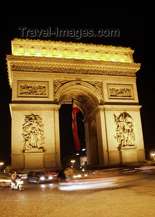 france154: France - Paris: Arc de Triomphe by night - Axe historique - photo by K.White - (c) Travel-Images.com - Stock Photography agency - Image Bank