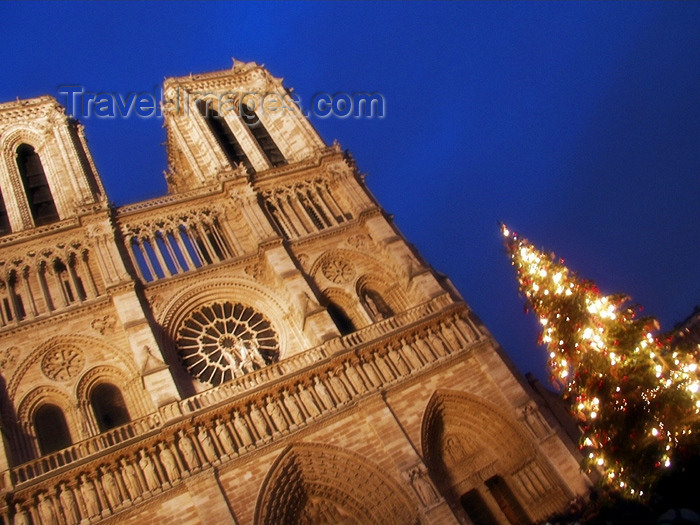 france155: France - Paris: Notre Dame - western façade and entrance - Unesco world heritage site - photo by K.White - (c) Travel-Images.com - Stock Photography agency - Image Bank