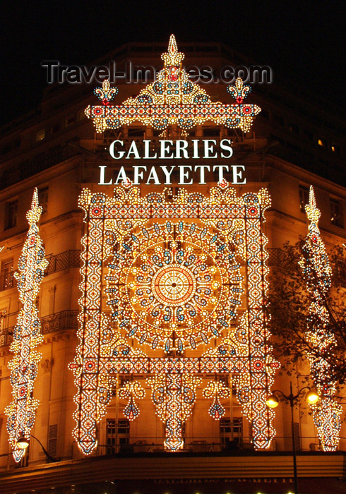 france161: France - Paris: Galeries Lafayette - nocturnal decoration - photo by K.White - (c) Travel-Images.com - Stock Photography agency - Image Bank