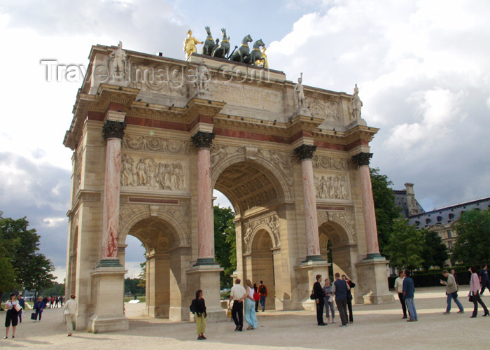 france167: Paris, France: Arc de Triomphe du Carrousel - designed by Charles Percier and Pierre Léonard Fontaine - photo by K.White - (c) Travel-Images.com - Stock Photography agency - Image Bank