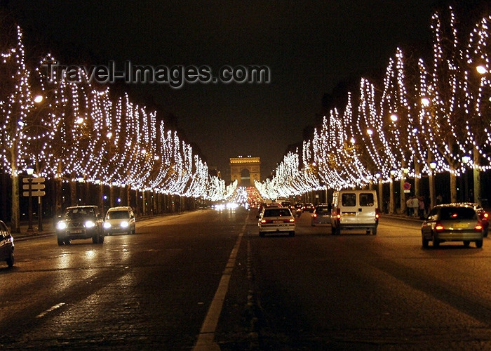 france172: France - Paris: night - Avenue Des Champs Elysees - Christmas lights - photo by K.White - (c) Travel-Images.com - Stock Photography agency - Image Bank