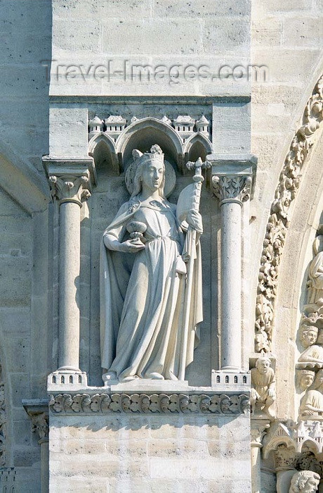 france195: France - Paris: Notre Dame - West Tower - detail - photo by D.Jackson - (c) Travel-Images.com - Stock Photography agency - Image Bank