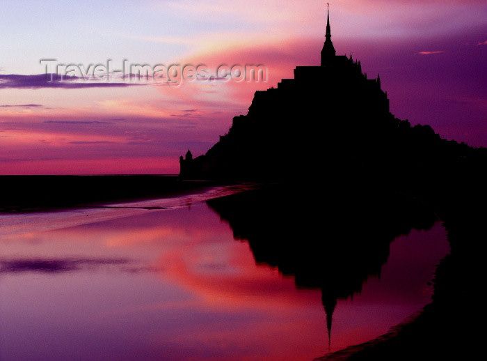 france198: France - Mont St Michel (Manche, Normandy): dusk - reflection in the bay - photo by R.Sousa - (c) Travel-Images.com - Stock Photography agency - Image Bank
