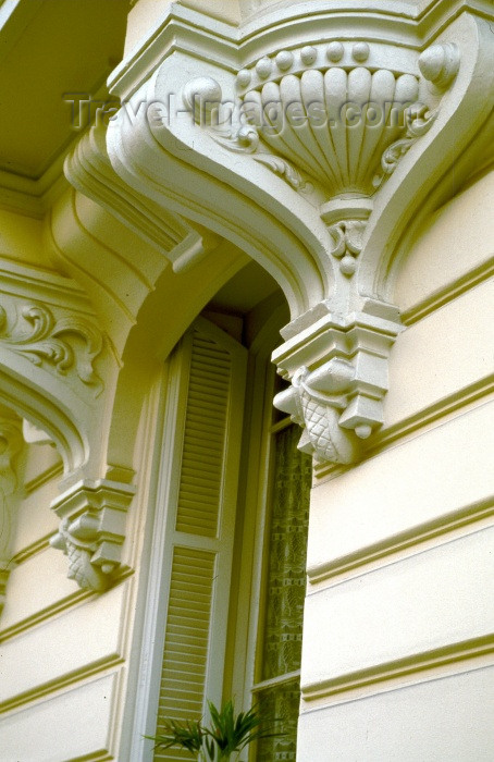 france213: France - Nice: detail - balcony detail - ornamental bracket - modillion - architecture (photo by F.Rigaud) - (c) Travel-Images.com - Stock Photography agency - Image Bank