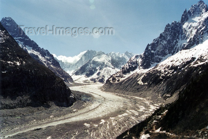 france215: France / Frankreich - Chamonix-Mont-Blanc (Hte-Savoi): Mer de Glace glacier under the Mont-Blanc - photo by J.Rabindra - (c) Travel-Images.com - Stock Photography agency - Image Bank