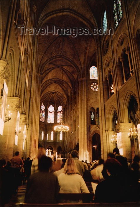 france217: France - Paris: Notre Dame - attending mass - photo by J.Rabindra - (c) Travel-Images.com - Stock Photography agency - Image Bank