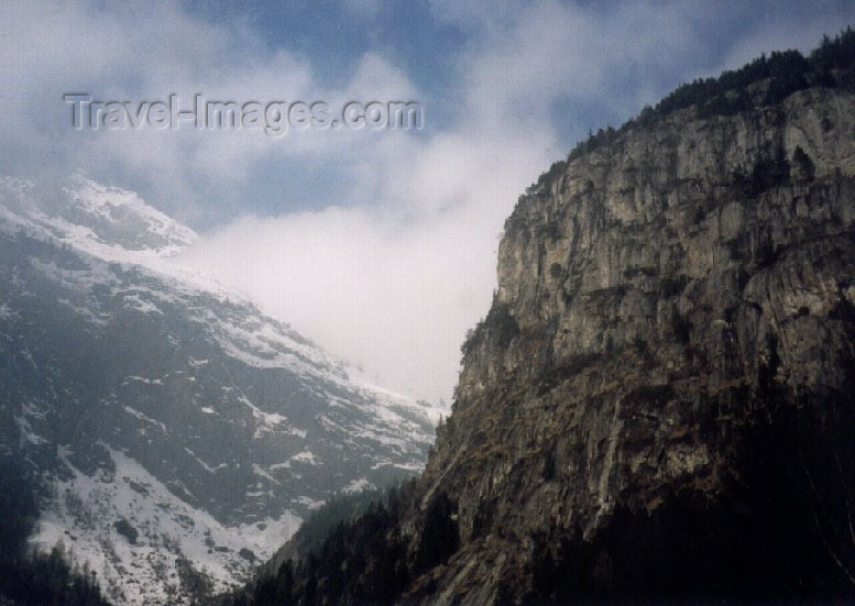 france23: France / Frankreich -  Vallorcine (Haute-Savoie - Rhône-Alpes): naked scarp - photo by M.Torres - (c) Travel-Images.com - Stock Photography agency - Image Bank
