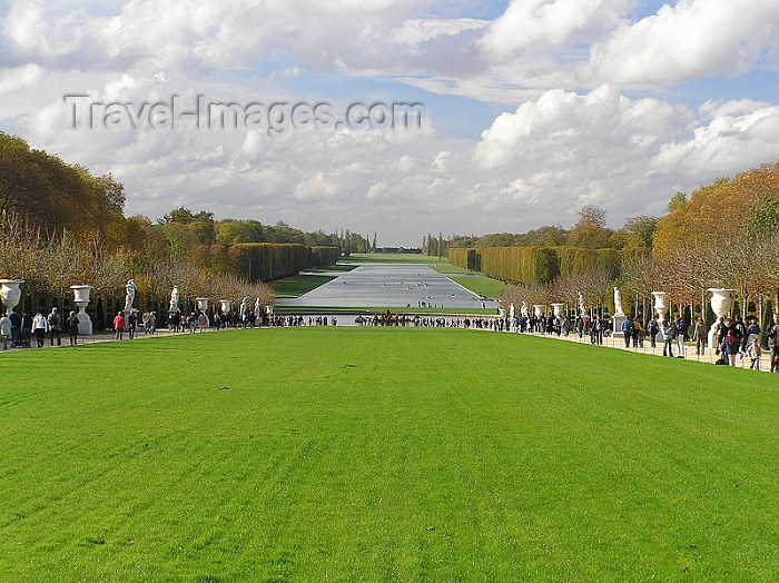 france253: France - Versailles (Yvelines - Ile de France): the the park and the Grand Canal / Parc de Versailles - photo by J.Kaman - (c) Travel-Images.com - Stock Photography agency - Image Bank