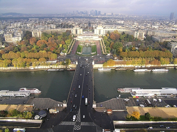 france269: France - La Seine, Pont d'Iéna, Trocadero and Palais de Chaillot - seen from the Eiffel Tower - photo by J.Kaman - (c) Travel-Images.com - Stock Photography agency - Image Bank