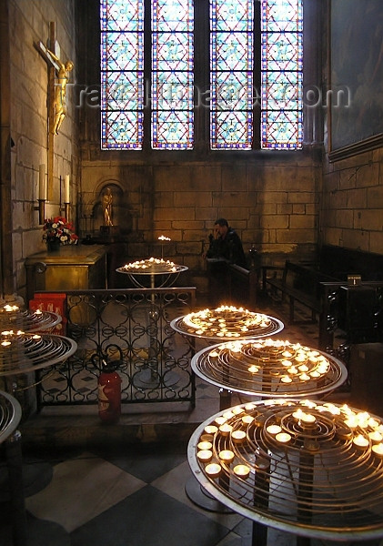 france270: France - Paris: praying - candles inside the cathedral of Notre-Dame - photo by J.Kaman - (c) Travel-Images.com - Stock Photography agency - Image Bank