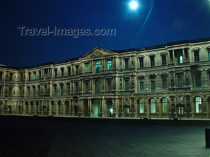 france318: France - Paris: the Louvre - at night - moonlight - photo by A.Caudron - (c) Travel-Images.com - Stock Photography agency - Image Bank