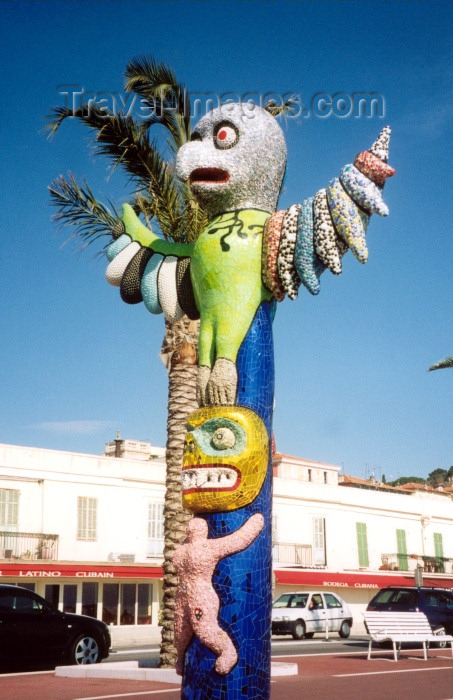 france40: France - Nice (Alpes Maritimes): post-modern totem - sculpture - art - Quai des Etats-Unis (photo by M.Torres) - (c) Travel-Images.com - Stock Photography agency - Image Bank