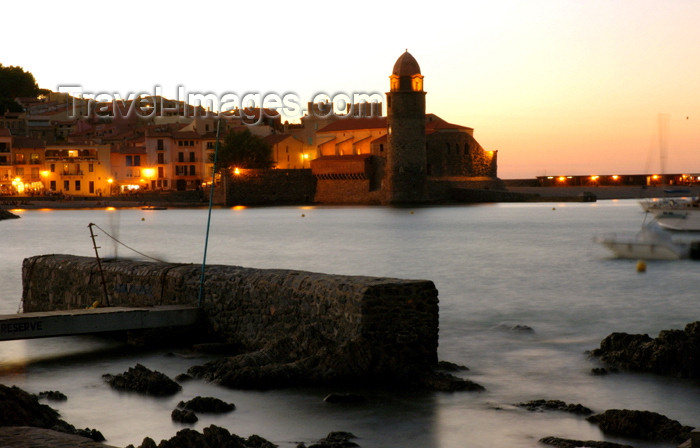 france459: France - Northern Catalonia - Languedoc-Roussillon - Pyrénées-Orientales - Collioure - Cotlliure - harbour at dusk - photo by T.Marshall - (c) Travel-Images.com - Stock Photography agency - Image Bank
