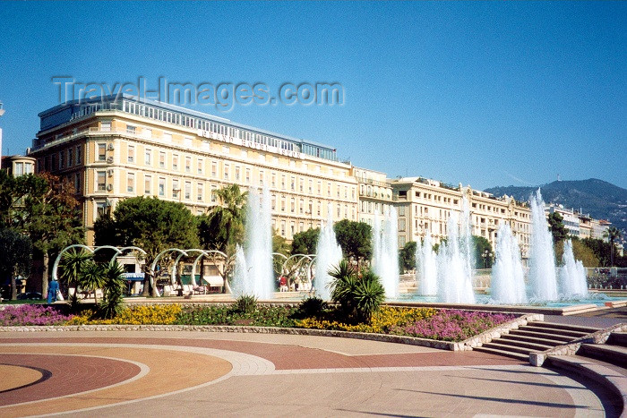 france46: France - Nice (Alpes Maritimes): Espace Massena (photo by M.Torres) - (c) Travel-Images.com - Stock Photography agency - Image Bank