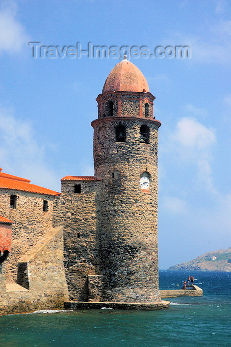 france465: France - Languedoc-Roussillon - Pyrénées-Orientales - Collioure - Cotlliure - tower by the water - Notre Dame des Anges church - photo by T.Marshall - (c) Travel-Images.com - Stock Photography agency - Image Bank