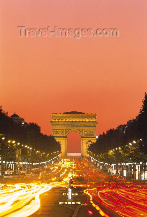 france467: Paris, France: car lights along Avenue des Champs-Élysées - nocturnal view of the Arc de Triomphe - 8th arrondissement - photo by A.Bartel - (c) Travel-Images.com - Stock Photography agency - Image Bank