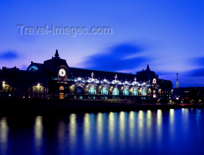 france473: Paris, France: Musée d'Orsay - lights reflected on the river -  left bank of the Seine - former railway station, Gare d'Orsay - architects Victor Laloux, Lucien Magne and Émile Bénard - 7e arrondissement - photo by A.Bartel - (c) Travel-Images.com - Stock Photography agency - Image Bank