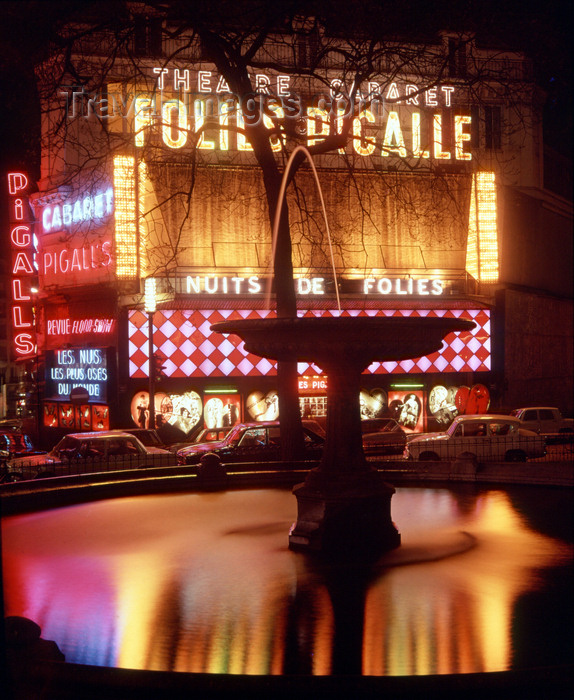 france478: Paris, France: Place Pigalle - Follies Pigalle and fountain at night - 9e arrondissement - photo by A.Bartel - (c) Travel-Images.com - Stock Photography agency - Image Bank