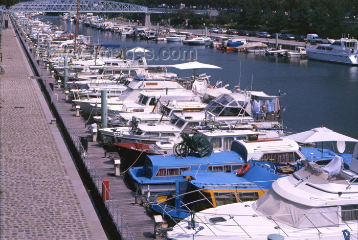 france481: Paris, France: Port de l'Arsenal - boat harbour on Canal Saint-Martin - 4th and 12th arrondissements - photo by A.Bartel - (c) Travel-Images.com - Stock Photography agency - Image Bank