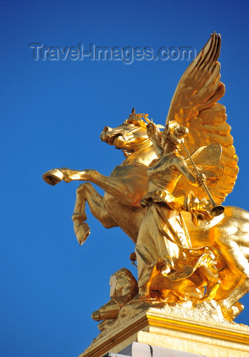 france508: Paris, France: Pont Alexandre III - gilded bronze equestrian sculpture of Pegasus held by the Fame of the Arts, Renommée des Arts - sculptor Emmanuel Fremiet - right bank, Cours la Reine - photo by M.Torres - (c) Travel-Images.com - Stock Photography agency - Image Bank