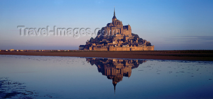 france52: France - Mont St Michel (Manche, Basse Normadie): relection in the bay - tidal island - UNESCO World Heritage Site - photo by W.Algower - (c) Travel-Images.com - Stock Photography agency - Image Bank