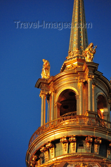 france550: Paris, France: Hôtel des Invalides - Dome Church / Eglise du Dôme / Chapelle royale - the dome - a lantern and a spire with a cross crown the edifice - 7e arrondissement - photo by M.Torres - (c) Travel-Images.com - Stock Photography agency - Image Bank
