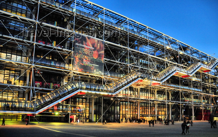 france564: Paris, France: Georges Pompidou Center at night - designed in the style of high-tech architecture by Renzo Piano and Richard Rogers - 4e arrondissement - photo by M.Torres - (c) Travel-Images.com - Stock Photography agency - Image Bank