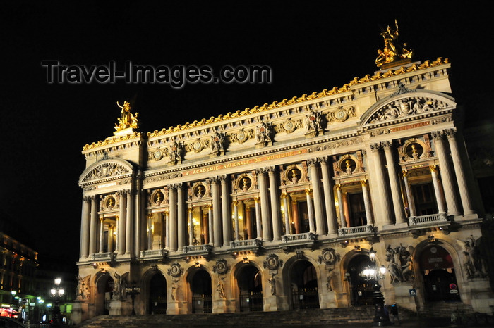 france568: Paris, France: Opera Garnier - nocturnal view of Palace Garnier - the old Opera - built on the orders of Napoleon III, part of the Haussmann renovation - Beaux-Arts architecture and Second Empire architecture - Place de l'Opéra - 9e arrondissement - photo by M.Torres - (c) Travel-Images.com - Stock Photography agency - Image Bank