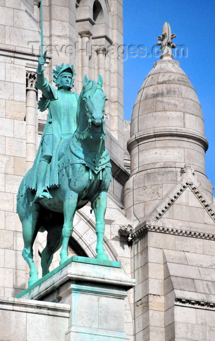france575: Paris, France: equestrian statue of Saint Joan of Arc brandishing her sword - bronze sculpture by Hippolyte-Jules Lefèbvre - Sacré-Coeur Basilica / Basilica of the Sacred Heart - Montmartre district, 18e arrondissement - photo by M.Torres - (c) Travel-Images.com - Stock Photography agency - Image Bank