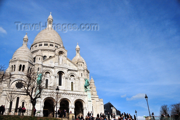 france577: Paris, France: Sacré-Coeur Basilica / Roman Catholic Basilica of the Sacred Heart - built of travertine stone quarried in Château-Landon - inspired by Hagia Sophia in Constantinople or San Marco in Venice, architect Paul Abadie - Montmartre district, 18e arrondissement - photo by M.Torres - (c) Travel-Images.com - Stock Photography agency - Image Bank