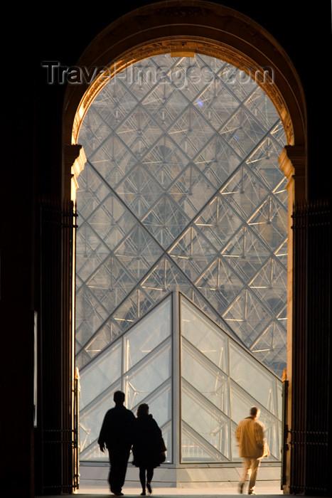 france616: Paris: Louvre pyramid through Rue de Rivoli gate - 1er arrondissement - photo by Y.Guichaoua - (c) Travel-Images.com - Stock Photography agency - Image Bank