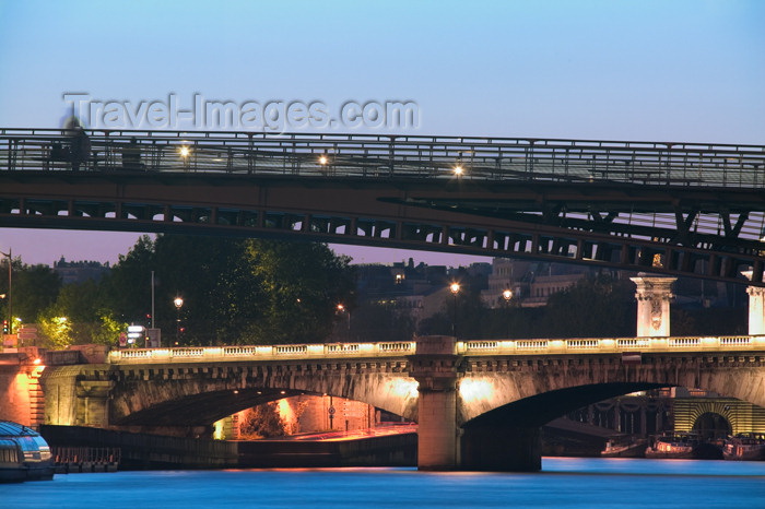 france618: Paris: bridges - Passerelle / Pont de Solférino and Pont de la Concorde - photo by Y.Guichaoua - (c) Travel-Images.com - Stock Photography agency - Image Bank