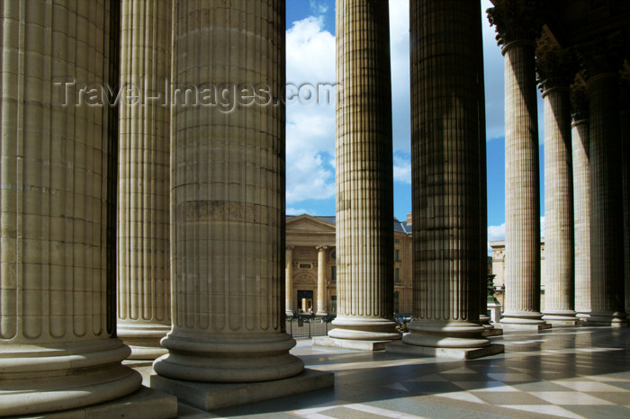 france681: Paris, France: Le Panthéon - columns - photo by Y.Guichaoua - (c) Travel-Images.com - Stock Photography agency - Image Bank