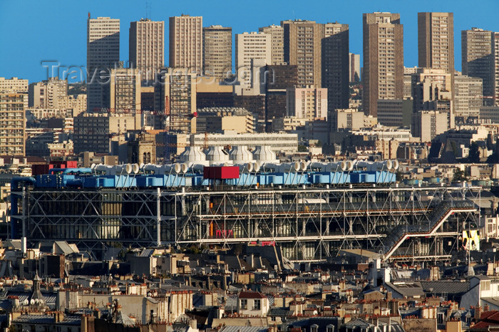 france694: Paris: skyline and Georges Pompidou center, Beaubourg - architects Renzo Piano, Richard Rogers and Sue Rogers and engineers Peter Rice and Edmund Happold - photo by Y.Guichaoua - (c) Travel-Images.com - Stock Photography agency - Image Bank
